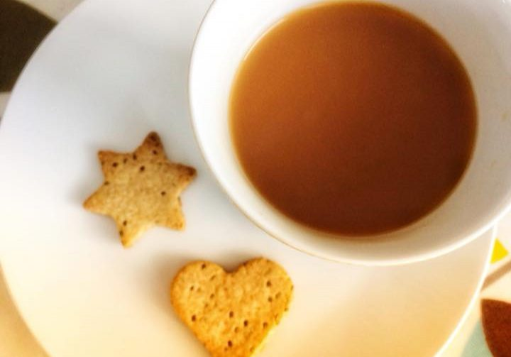 ginger biscuits with tea